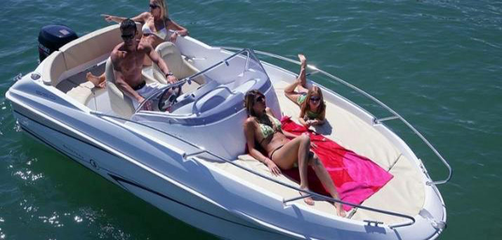 Rent a boat Croatia - BENETEAU FLYER 550 SUN DECK